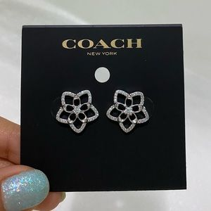 COACH silver starflower earrings♡